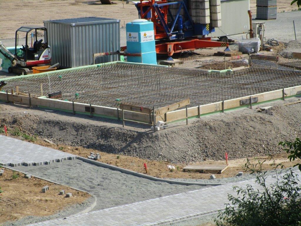 De Hochstädter Neues und Wissenswertes aus Hochstädten Baubeginn im Neubaugebiet