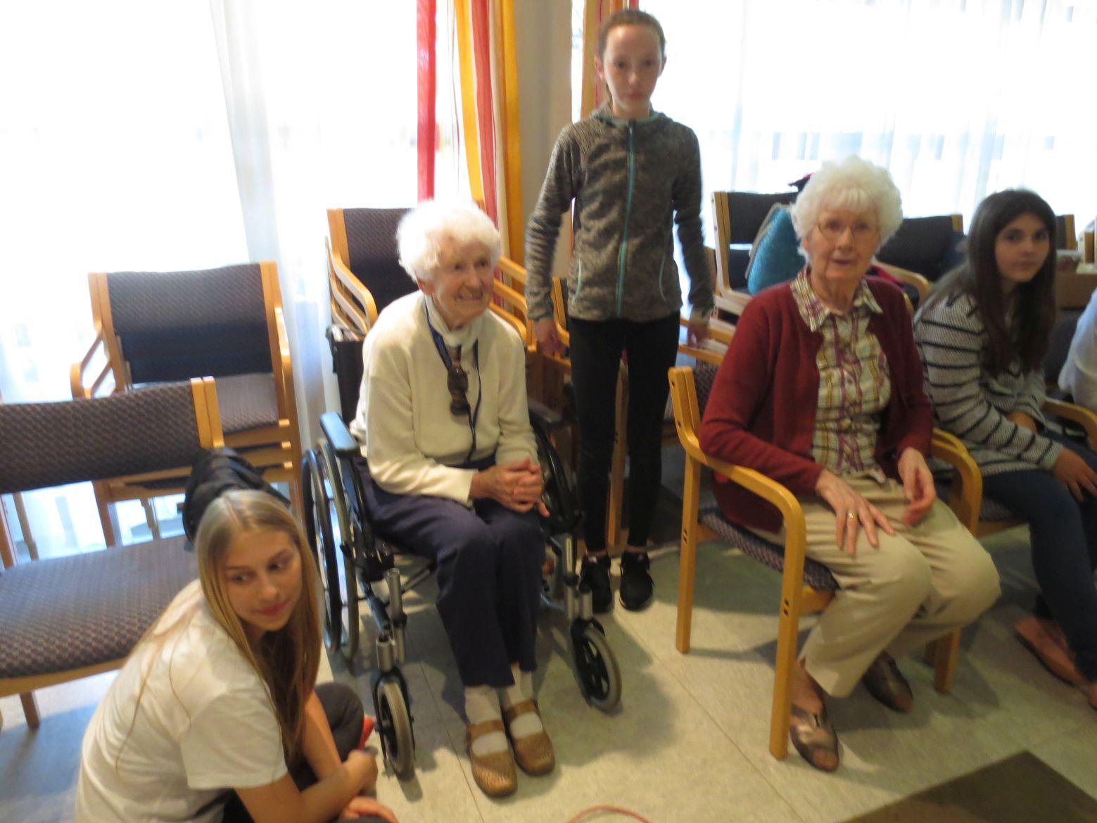 Schülerzeitung Dritte Ausgabe Boccia mit Senioren
