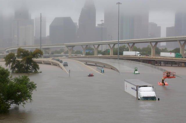 Überschwemmungen in Houston SehmusEl Erste Seite