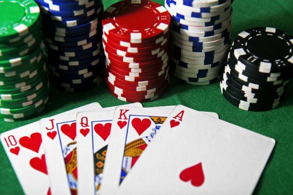 TAM-News Poker-WM - Pius Heinz gewinnt 8,7 Millionen Dollar Preisgeld Poker-WM - Pius Heinz gewinnt 8,7 Millionen Dollar Preisgeld