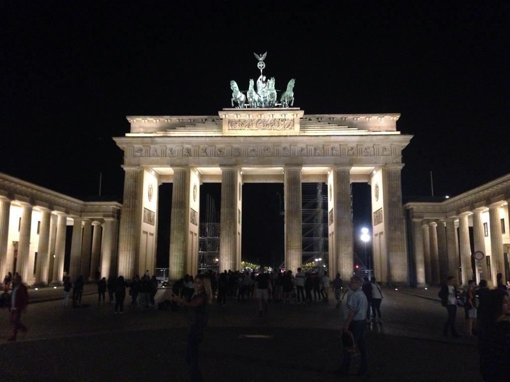 Richie vierte Ausgabe SEITE 1: BERLIN, BERLIN, WIR FAHREN...